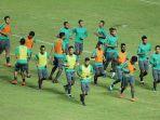 timnas-indonesia-aff-suzuki-cup-2016-latihan_20161205_162800.jpg