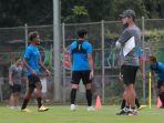 timnas-indonesia-u-23-jalani-training-camp-untuk-sea-games-2021_20210210_203527.jpg