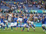 timnas-italia-sapa-fans-di-stadion-olimpico-roma.jpg