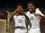 timnas-u-16-myanmar-vs-timnas-u-16-indonesia-amiruddin-bagus-kahfi-dan-fajar-fathur-rahman-2_20180731_212954.jpg