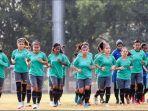 timnas-wanita-indonesia-yang-mengikuti-asian-games-2018_20180816_093006.jpg