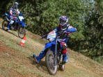 tips-riding-dengan-motor-trail-ala-yamaha-w-155-r.jpg