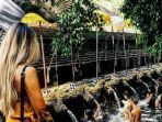 Lebaran Hari Pertama, Objek Wisata Tirta Empul Bali Sepi Pengunjung