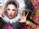 Titi DJ Akhirnya Merilis Official Video Clip 'Show Us Your Color' Usai Berkolaborasi Lintas Generasi