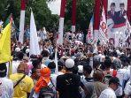 titiek-soeharto-bernyanyi-di-panggung-utama-kampanye-akbar-prabowo-sandi-di-solo-rabu-1042019.jpg