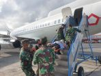 tni-evakuasi-anggota-tgpf-korban-penembakan-kksb-ke-jakarta_20201010_133125.jpg