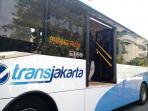 transjakarta-mercedes-benz_20160615_131330.jpg