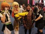 tri-rismaharini-kunjungi-popcon-asia-2015_20150810_173644.jpg