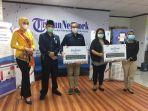 tribunnews-dan-hp-indonesia-serahkan-printer.jpg