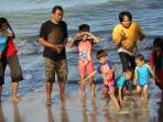 tribunnewscom-liburan-gathering-traveling_20141226_175318.jpg