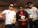 trio-lestari-luncurkan-album_20150217_204338.jpg