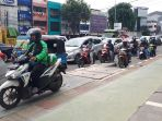 trotoar-lebar-dilintasi-sepeda-motor_20200116_222726.jpg