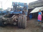 truk-trailer-bk-8517-bk-yang-dike-akibat-kejadian-i_20171208_162056.jpg