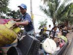 tsunami-terjang-pantai-carita-dan-tanjung-lesung_20181223_202119.jpg