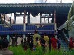 Ditinggal Pergi ke Kebun, Rumah Panggung Milik Warga Terbakar, 8 Orang Mengungsi