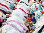 umat-muslim-laksanakan-salat-idul-adha-1438-h_20170902_181630.jpg