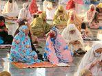 umat-muslim-salat-idul-adha-1441-h-di-masjid-agung-jateng_20200731_183005.jpg