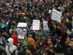 unjuk-rasa-mahasiswa-dan-pelajar-di-bandung-berujung-ricuh_20190925_154013.jpg