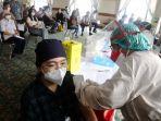 vaksinasi-booster-bagi-nakes-siloam-hospital_20210812_060446.jpg