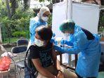 vaksinasi-covid-19-alumni-sma-negeri-4-jakarta_20210704_222630.jpg