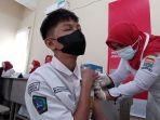 vaksinasi-covid-19-bagi-pelajar-di-smp-negeri-9-palembang_20210906_203209.jpg