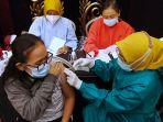 vaksinasi-covid-19-dosis-kedua-di-tsm-bandung_20210324_230206.jpg