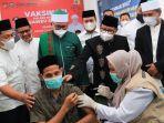 vaksinasi-gus-muhaimin-di-aceh.jpg