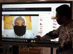 video-conference-pembagian-rapor-online-di-surabaya_20200630_002225.jpg