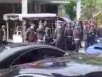 Viral di Medsos Video Satpam Geruduk Penghuni Rumah Karena Penuh Mobil Mewah, Ini Kata Polisi