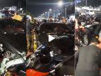 viral-di-tiktok-sebuah-mobil-mercy-menabrak-motor-yang-sedang-parkir-ini-kata-pengunggah.jpg