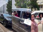 viral-keluarga-gelar-ulang-tahun-drive-thru-beri-kejutan-untuk-sang-nenek.jpg