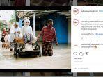 Viral Pasangan Pengantin Terobos Banjir, Mempelai Wanita Naik Becak Didorong Mempelai Pria