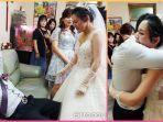viral-seorang-ayah-tak-kuasa-menahan-tangis-saat-anak-perempuannya-minta-restu-untuk-menikah.jpg