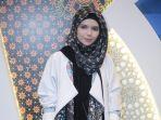 vivi-zubedi-desainer-abaya_20181004_231443.jpg