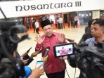 Bicara Soak Pose Tersenyum Lebar di Samping Jokowi, Fahri Hamzah : Beliau Baik tapi Lepas Kendali