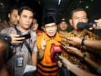 wakil-ketua-dpr-taufik-kurniawan-ditahan-kpk_20181102_193224.jpg