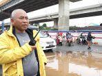 wali-kota-bekasi-rahmat-effendi-memantau-langsung-banjir.jpg