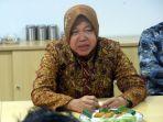 walikota-surabaya-tri-rismaharini-bertandang-ke-markas-tribun_20180113_222053.jpg