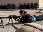 wanita-irak-bunuh-komandan-isis_20150909_133728.jpg
