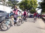 wanita-pehobi-sepeda-meriahkan-peringatan-hari-ibu-di-samarinda_20191222_164632.jpg