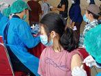 warga-kampung-nelayan-dan-pesisir-terima-vaksin-covid-19_20210902_174927.jpg