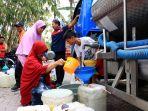 warga-kebuntaman-dapat-bantuan-air-bersih-dari-bpbd-jateng_20180821_202010.jpg