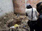 warga-melihat-lubang-bekas-galian-kuburan-mayat-misterius-di-parungpanjang.jpg
