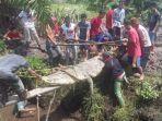 warga-menangkap-buaya-di-desa-kayu-besi-kabupaten-bangka.jpg