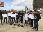 wartawan-libya-unjuk-rasa-kutuk-pembunuhan-terhadap-fotografer-russia-today.jpg