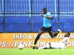 Didepak Persela Sebelum Liga 1 2019 Mulai, Striker Ini Bersinar di Malaysia