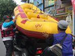 wege-kerahkan-perahu-karet-untuk-korban-banjir.jpg
