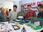 wirausaha-muda-alumni-smk-binaan-ahm_20151206_080934.jpg