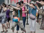 wisatawan-tiongkok_20160225_160204.jpg