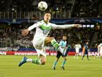 wolfsburg-star-player-julian-draxler_20160407_083205.jpg